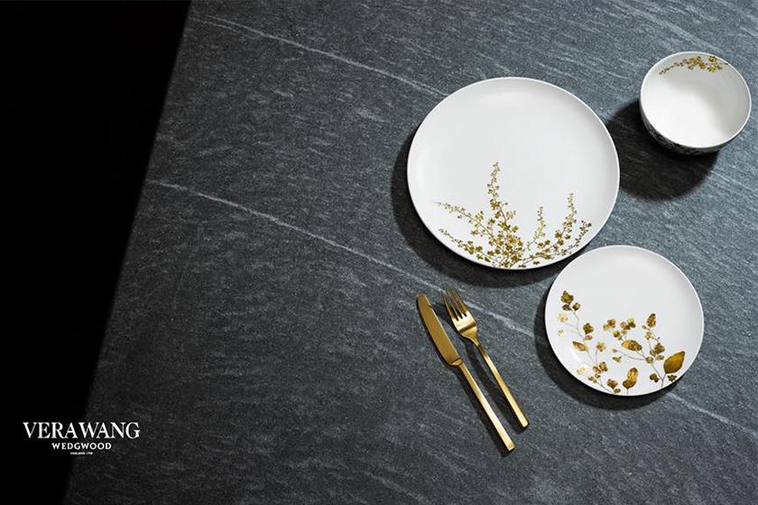 Vera Wang 聯乘 Wedgwood 推出最新以花作主題的餐具