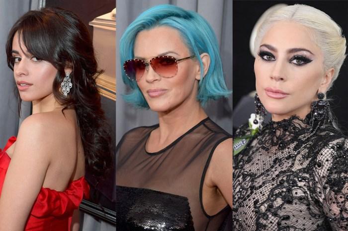 今屆 Grammys 紅地氈上的女星,竟然都不約而同地塗上了這色系的唇膏!