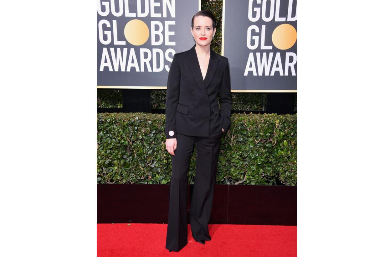 女星們穿著全黑褲款出席第 75 屆金球獎