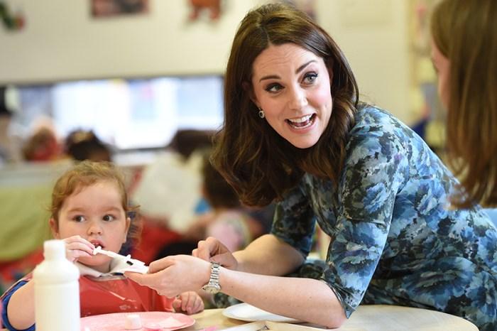 要時尚也要環保!凱特皇妃穿上同一條花卉裙子迎接第 3 個寶寶!