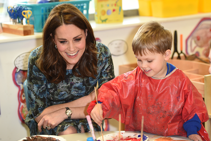 Image of 要時尚也要環保!凱特皇妃穿上同一條花卉裙子迎接第 3 個寶寶!