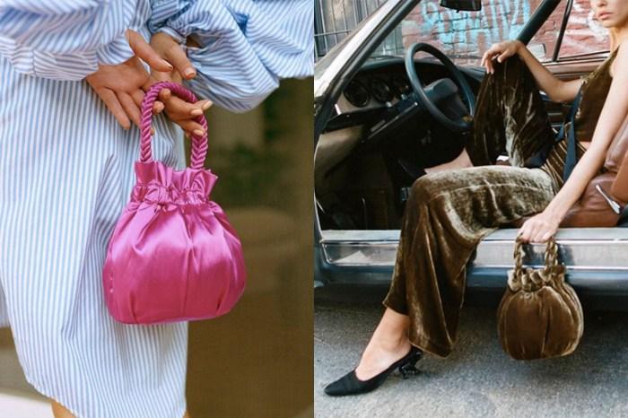 這款手袋已在時尚圈內悄悄跑出,連街拍達人都開始挽著它出門!