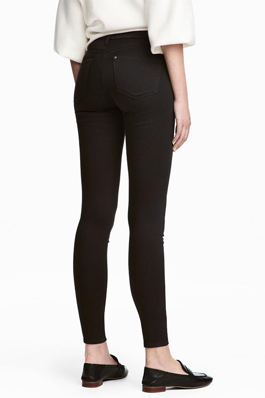 好穿又顯瘦的黑色牛仔褲推介