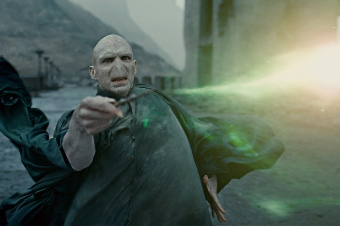 《哈利波特》回歸了!快上 Youtube 免費看官方授權的佛地魔起源電影吧!