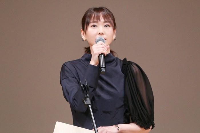 新垣結衣相隔 10 年拿下最佳女優賞,背後的「小故事」令全場動容!
