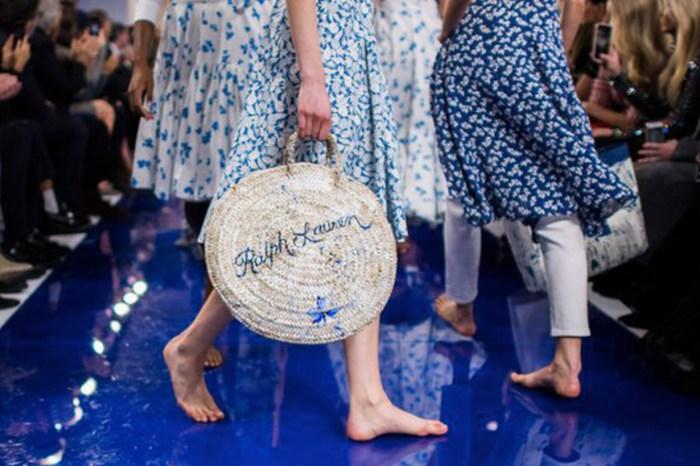 為什麼在 Ralph Lauren 2018 天橋上,模特兒都赤腳走騷?