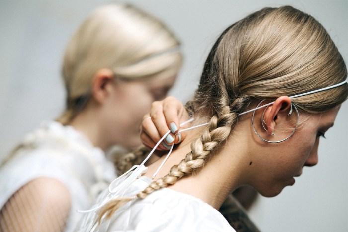 這個在網絡熱爆的編髮教學,可以讓你不用練習就編出「七手辮」髮型!