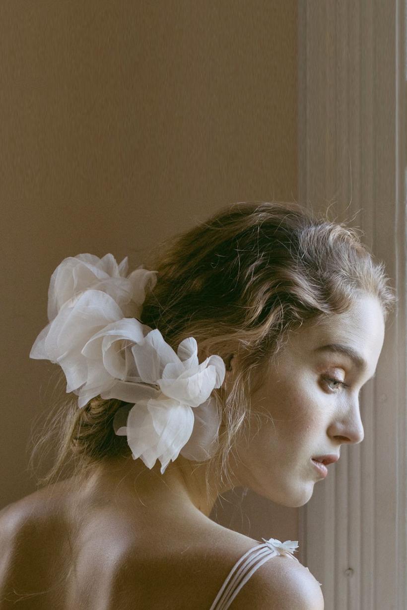 看完這 25 種新娘頭飾靈感 看完可能會讓你想拋棄傳統頭紗