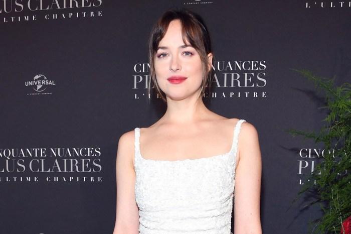 Dakota Johnson 在電影首映禮穿的一襲白色連身裙,將會是許多準新娘都追求的款式!