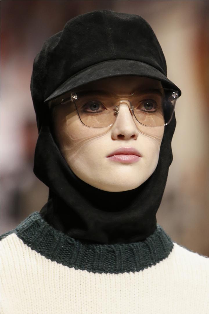 #PFW  誰說眼線只有黑啡兩色  看看 Dior 如何把眼線玩得出神入化