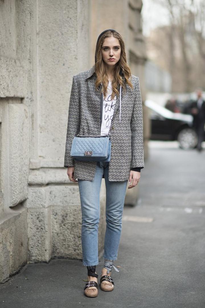 時裝週街拍照零失手穿搭組合 牛仔褲 tee