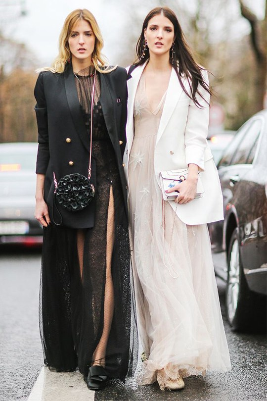 女生情人節穿搭提案 冬日透視裙這樣穿保持性感又守住溫度