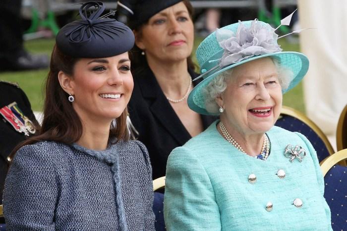 美妝品牌 Charlotte Tilbury 為英女皇和凱特王妃推出專屬唇膏,會是什麼顏色呢?