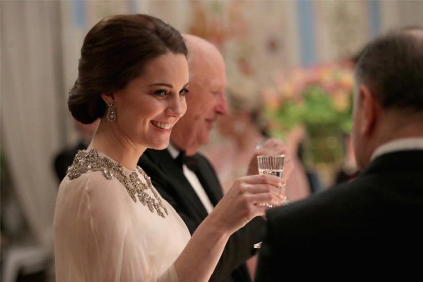 Image of 凱特皇妃又推起了最新髮型熱潮,這個 $1 美金的髮飾銷售量增加了 40%!
