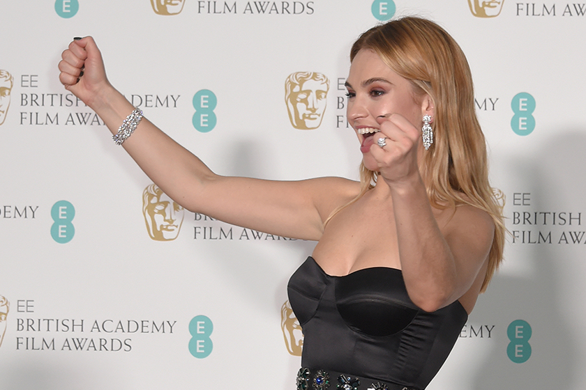 Lily-James-diamond rings red carpet