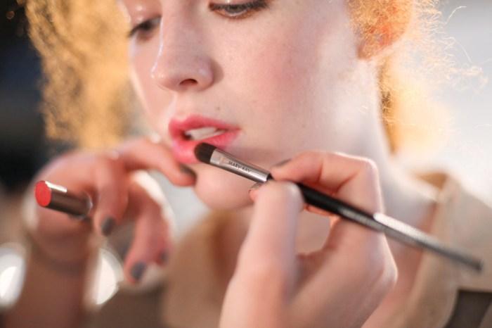 如果唇紋讓你困擾很久了,這 4 款唇彩絕對會是你的救星!