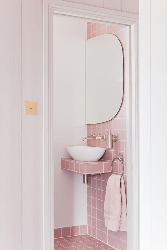 2LG Studio 粉紅色浴室