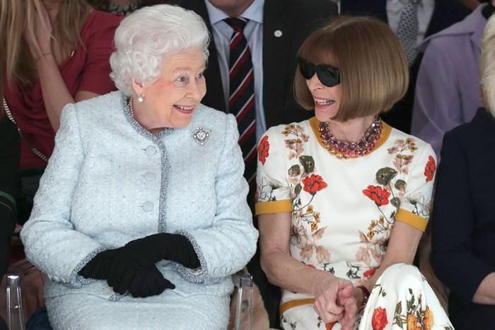 #LFW:英女皇竟現身時裝展 Front Row,連 Anna Wintour 也綻放稀有笑容!