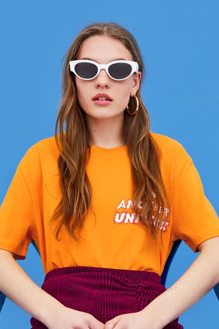 Zara 副線 TRF 2018 春夏造型目錄以花卉圖案 彩色條紋 復古波點與拼色設計等元素打造