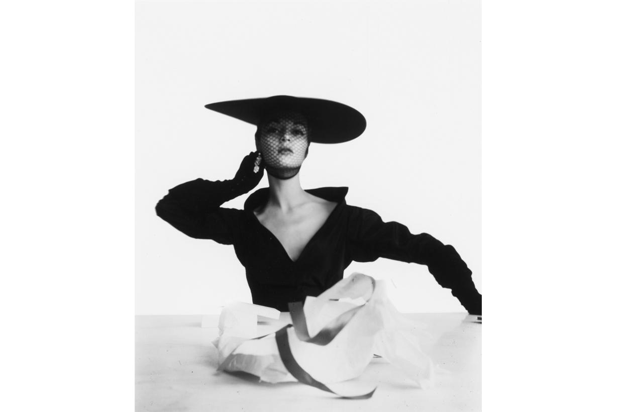 「時尚」究竟值多少?超過 50 年的傳奇攝影作品將於 Sotheby's 進行拍賣!