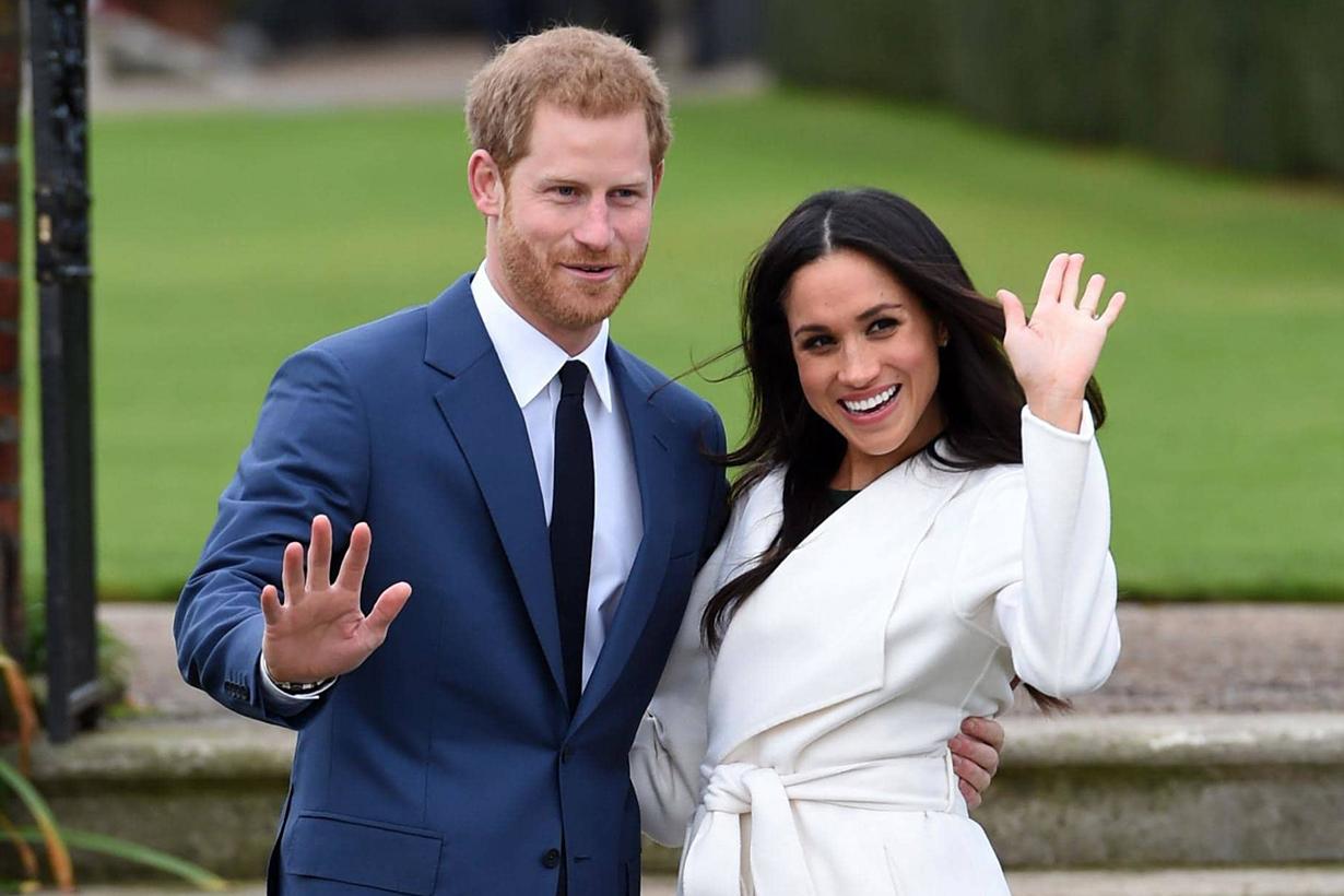 Meghan Markle 和哈利王子在皇室活動中的可愛小互動證明了他們的濃情蜜意