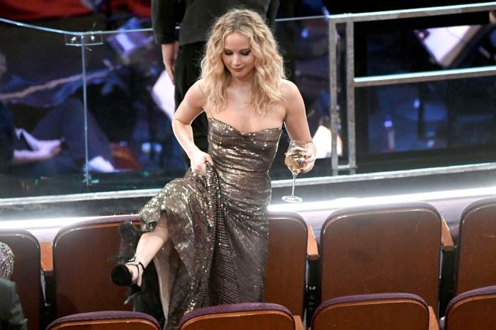 #奧斯卡2018:Jennifer Lawrence 漏網鏡頭全曝光,進會場第一件事「拿酒」!