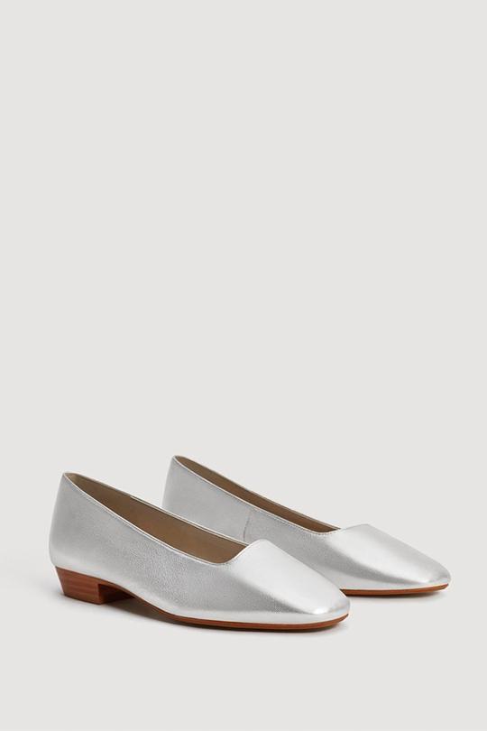 高質卻價錢親民 20 雙為時尚 OL 而設的舒適平底鞋