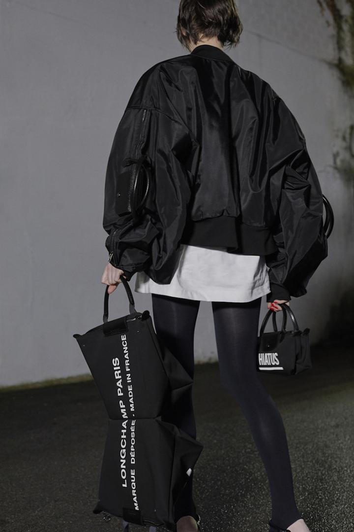 Hood By Air 創辦人與 Longchamp 合作 反轉經典 Le Pliage 手袋設計