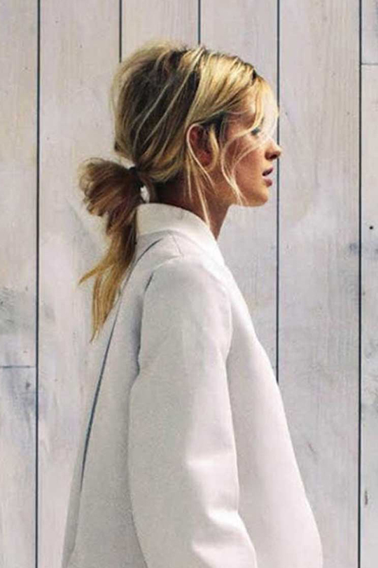 messy-bun-summer-hairstyle-inspiration