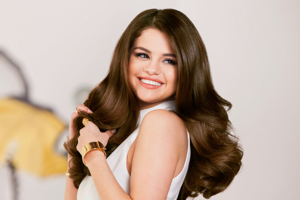 Selena Gomez Just Shaved Her Head