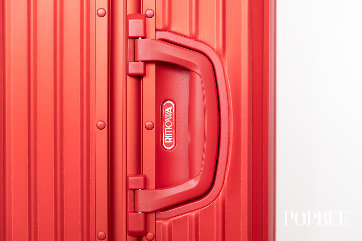Supreme 與 Rimowa 聯乘推出標誌性紅色行李箱