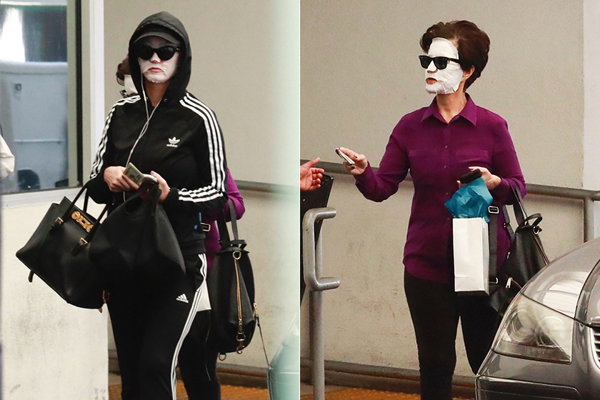 katy-perry-and-her-mom-sheet-mask-while-walking