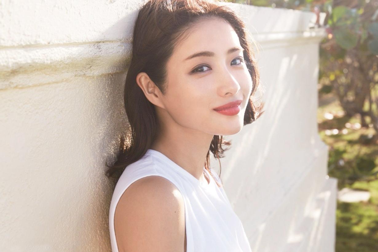 Ishihara Satomi sofina aube 10 seconds eyeshadow palette