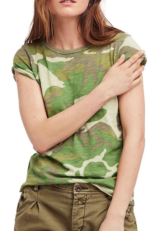 victoria-beckham-camo-t-shirt