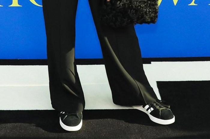 當女星都以高跟鞋踏上紅地毯,她卻選擇了一雙 adidas 波鞋!