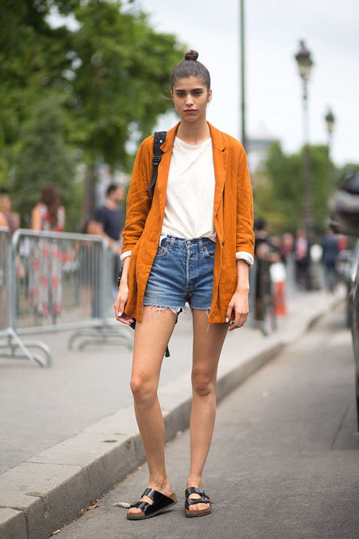 how to style denim shorts with shoes