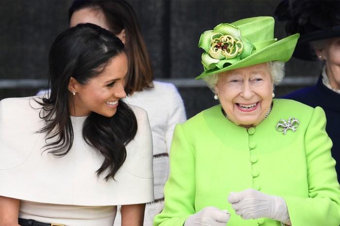 這帶點小尷尬的一幕,卻顯示了 Meghan Markle 和英女王原來有著很不錯的交流呢!