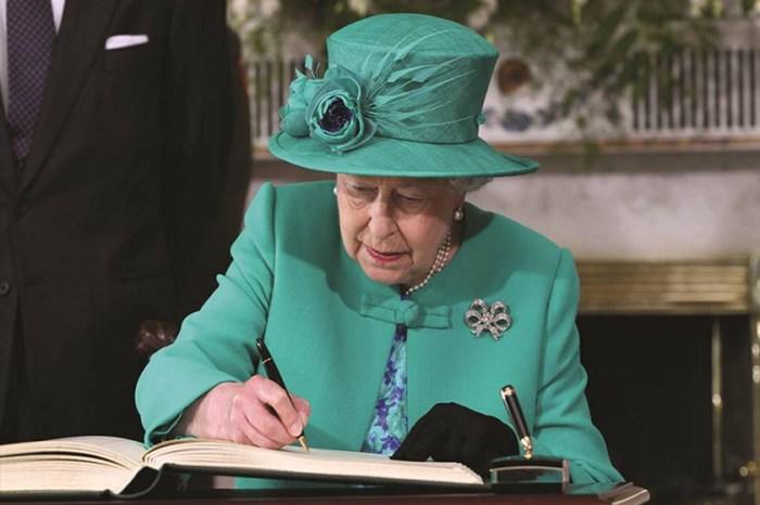 英國皇室成員手寫字大公開!到底誰的字被網民指「根本是書法藝術」?