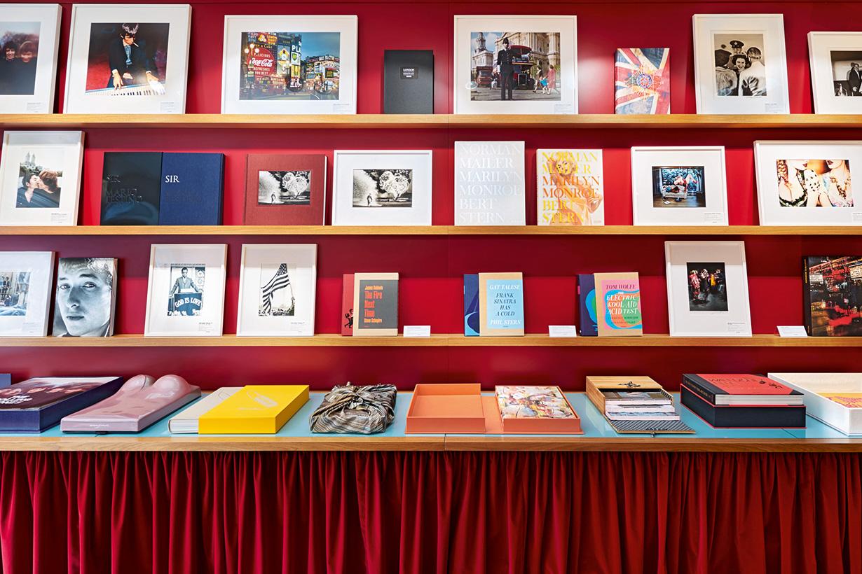 Tashcen Book Store Hong Kong