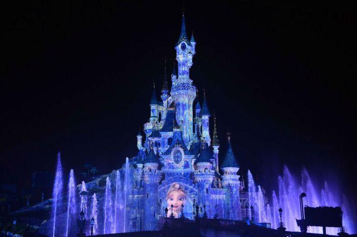 東京迪士尼新建三大主題園區,重現《Frozen》夢幻雪山場景!