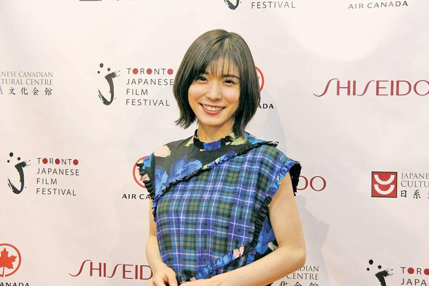 Yui Aragaki Komatsu Nana Mayu Matsuoka same dress outfit onep piece which one better