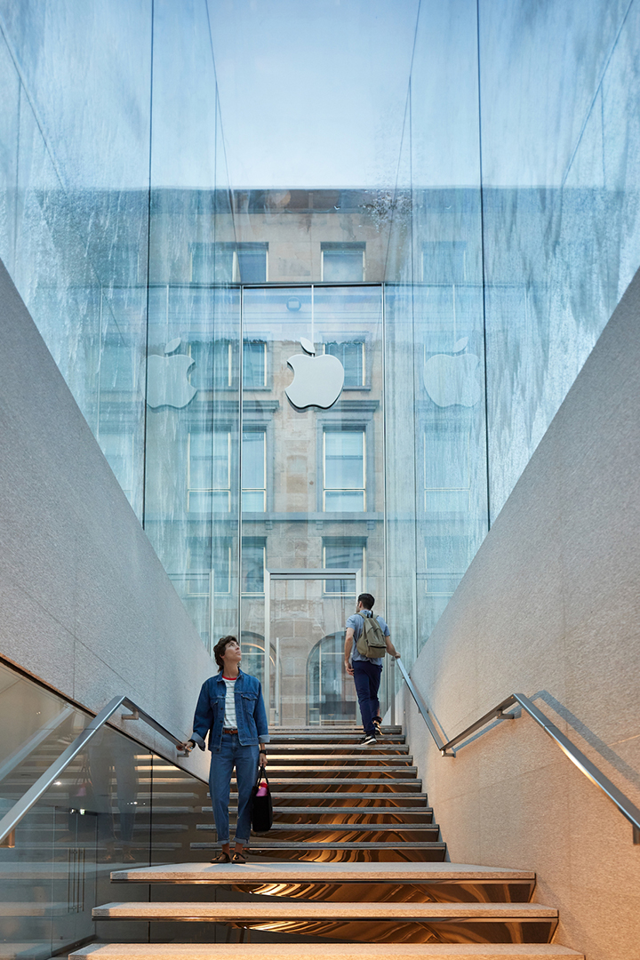 Apple Piazza Liberty opens in Milan