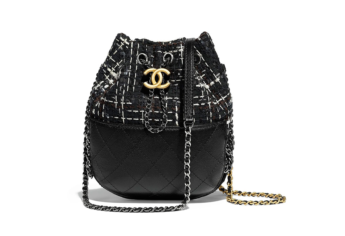 Chanel black handbags pre-fall 2018