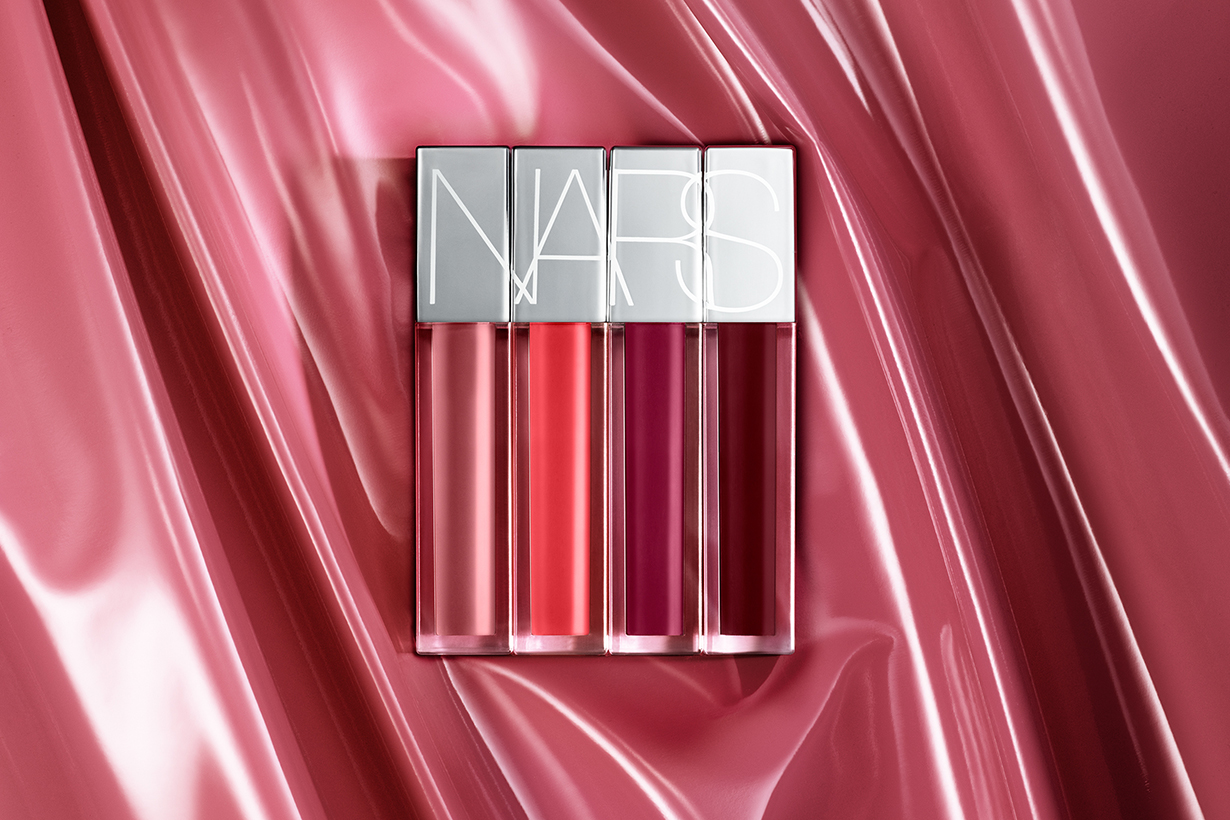 Nars 「Powdered by Lips. Makeup Your Mind. 」Pop-Up