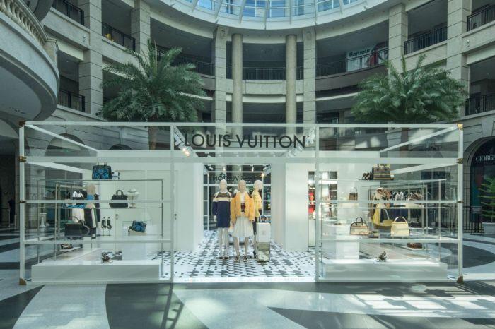 Louis Vuitton 首家女裝期間限定店在台灣!從眾名人身上搶看本季最新系列