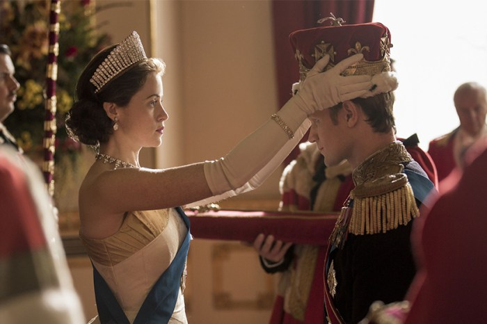 Claire Foy 卸任!《The Crown》的第二位英女皇正式登場!