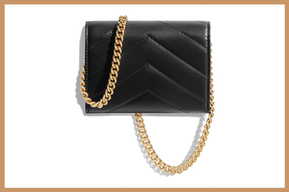 chanel-mini-bag-clutch-with-chain