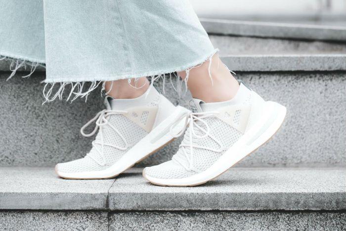 這是一雙可以用詩情畫意形容的鞋款: adidas Originals ARKYN 杏色登場!