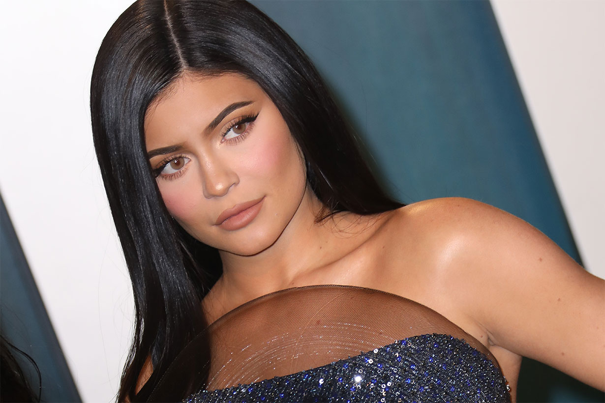 Kylie Jenner Claims She Went Makeup-Free for Vogue Cover