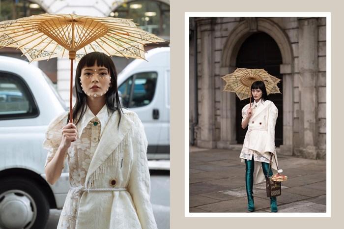 #LFW:這位滿臉珍珠的中國博主,撐著一把傳統藝術紙傘驚艷外媒!